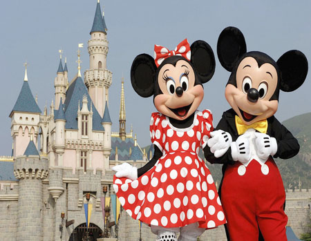 Walt Disney World provides insect repellent to visitors to address ongoing Zika concerns