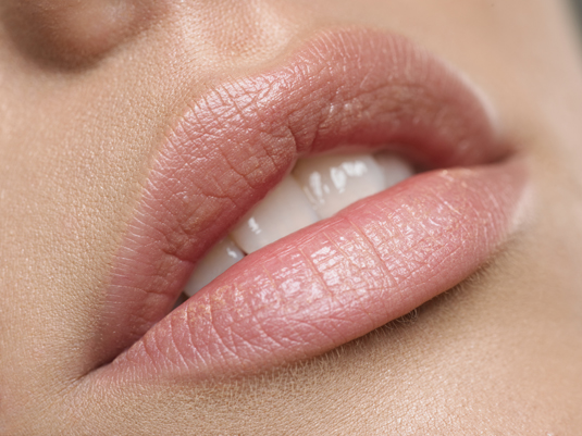 US: Number of lip augmentations up 43% in women and 400% in men since 2000