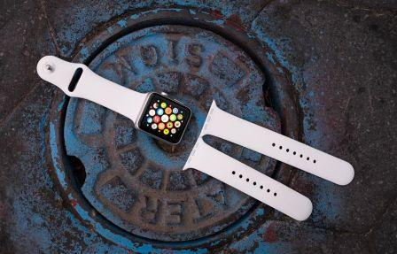 """Analyst: Apple Watch 2 will have """"limited changes to form factor design"""""""
