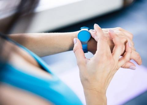 Fitness trackers apparently useless in improving chances of losing weight, research suggests