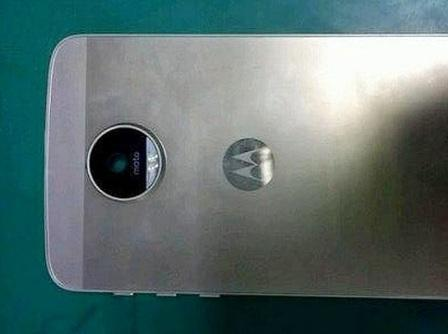 Leaked press photo of fourth-gen Moto X shows all-metal design
