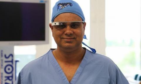 Surgery Live Streamed Using Google Glass